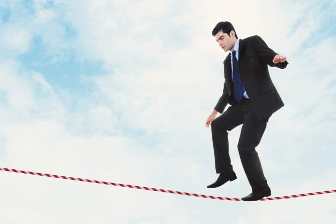 Bei Spezialfonds Masterstrukturen ist es wie bei allen anderen Anlegearten auch: Die geschickte Risikoverteilung gilt es zu beherrschen, damit der Balanceakt zwischen Gewinn und Verlust gelingt. (#2)