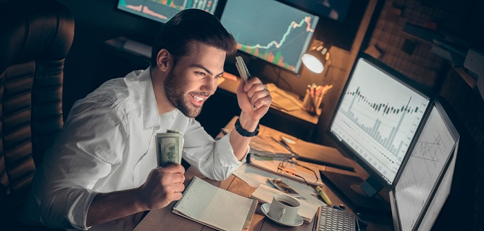 Fondsmanager werden: Soviel ist 2020 drin, der Werdegang, das Berufsbild und alles, was wichtig ist ( Foto: Shutterstock-Viktoriia Hnatiuk_)