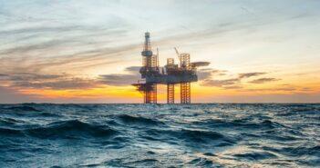 Ölkorrektur: Rohstoff-Hedgefonds Westbeck übertrifft die Benchmarks dank Kaufgelegenheit (Foto: shutterstock - Lukasz)